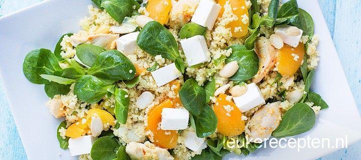 17 april Lichte couscoussalade met kip, feta, abrikozen en sla. Feta weglaten kan