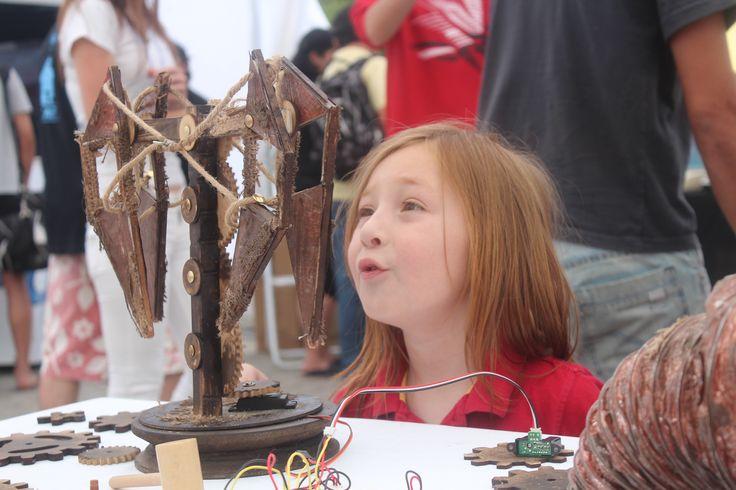 Foto Prototipos presentados en Mini Maker Faire Santiago 2012