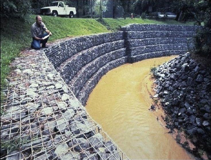 Soluciones sostenibles: muro de gaviones en jardines   Cuidar de tus plantas es facilisimo.com