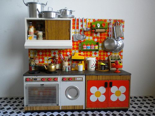 Vintage Toy Kitchen orange tiles 1 Brand: Joustra by Naralna, via Flickr