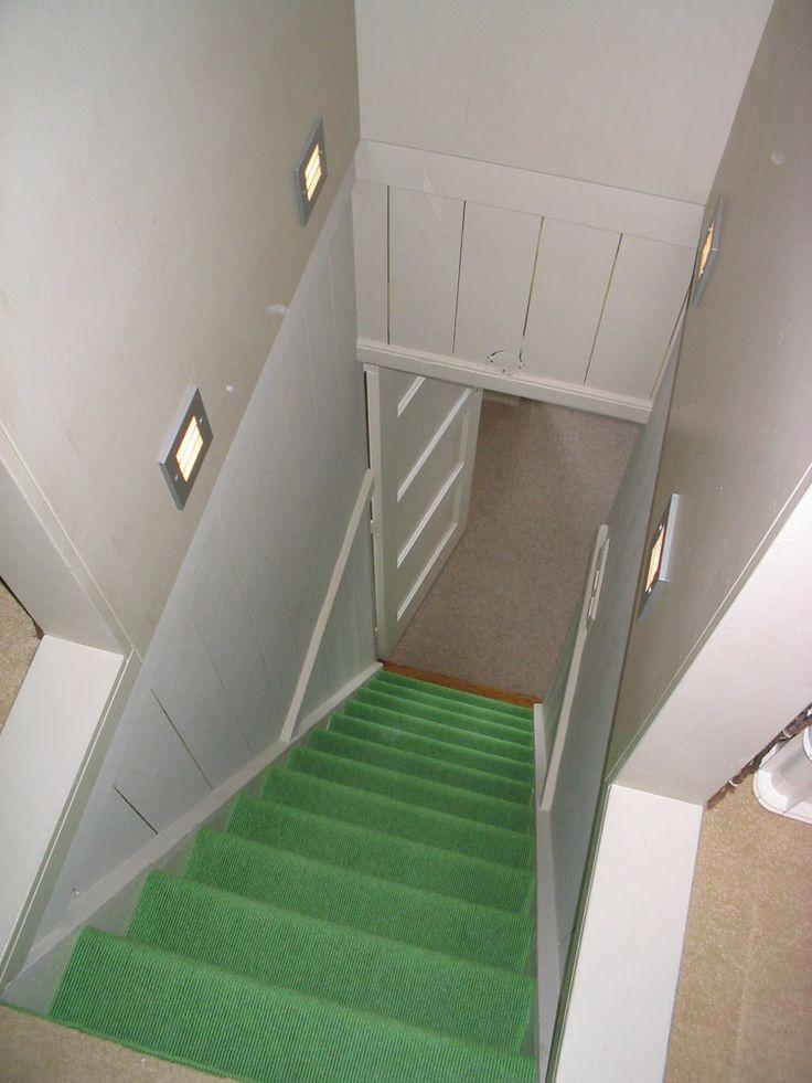 Heb je veel wit in huis en wil je wat meer kleur? Dan kun je er voor kiezen om op de trap een fris kleurtje te leggen. Zo breng je op een subtiele manier toch veel kleur in huis. #Tretford