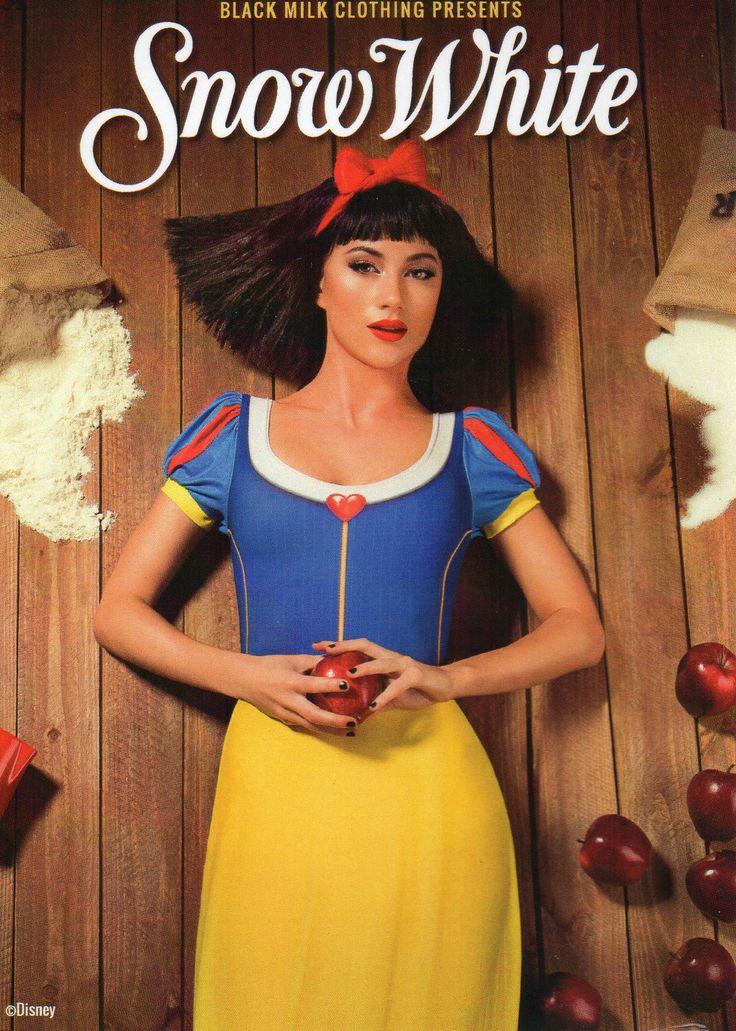 Princesses & Villians- Snow White Front