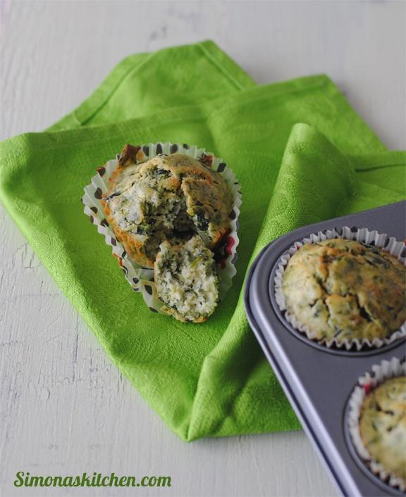 Muffins Salati agli Spinaci, Pecorino Romano e Noce Moscata - Savory Muffins with Spinach, Pecorino Cheese and Nutmeg