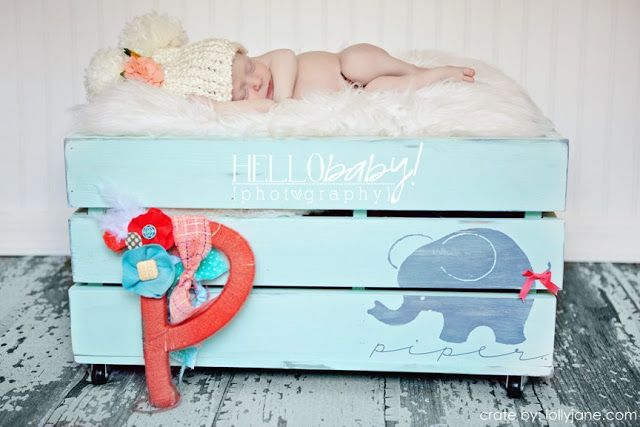 Wooden Crate with elephantDiy Ideas, Baby Props, Crafts Tutorials, Baby Room, Photos Props, Diy Crates, Wooden Crates, Wood Crates, Baby Gift