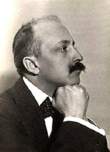 Marinetti. Nació el 22 de Diciembre de 1876 en Egipto y murió en 1944 en Bellagio.En el surrealismo. Una de sus obras es Prigionieri e Vulcani