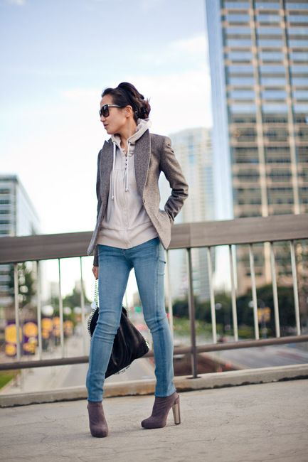 hoodie under tweed blazer. casual and chic at the same time--right up my alley.
