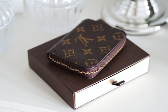 Louis Vuitton Zippy Coin Purse SLG... On the Wishlist it goes