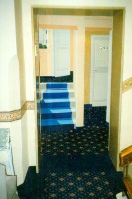 Porta scorrevole dipinta Hotel Cervo MI