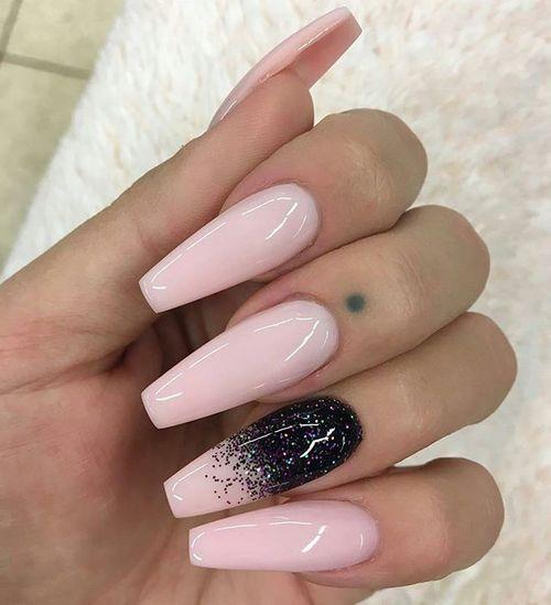 Imagem de nails, pink, and black