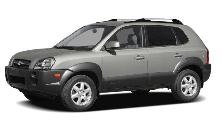2007 Hyundai Tucson Owners Manual – The Hyundai Tucson is a compact SUV designed to take on the Toyota RAV4 and Honda CR-V and also for the most component it succeeds. The Tucson will come standard with a thorough collection of active and unaggressive safety features, including 6 safety ...