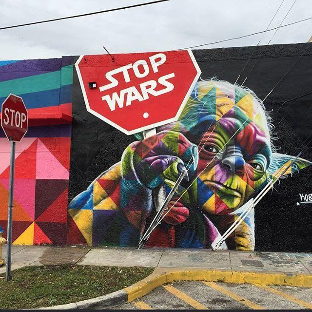 L'artiste brésilien Eduardo Kobramilite pour la paix à l'occasion du Art Basel Miami 2015, la grande messe internationale de l'art contemporain urbain. A quelques jours de la sortie du dernier Star Wars (Star Wars, épisode VII : Le Réveil de…