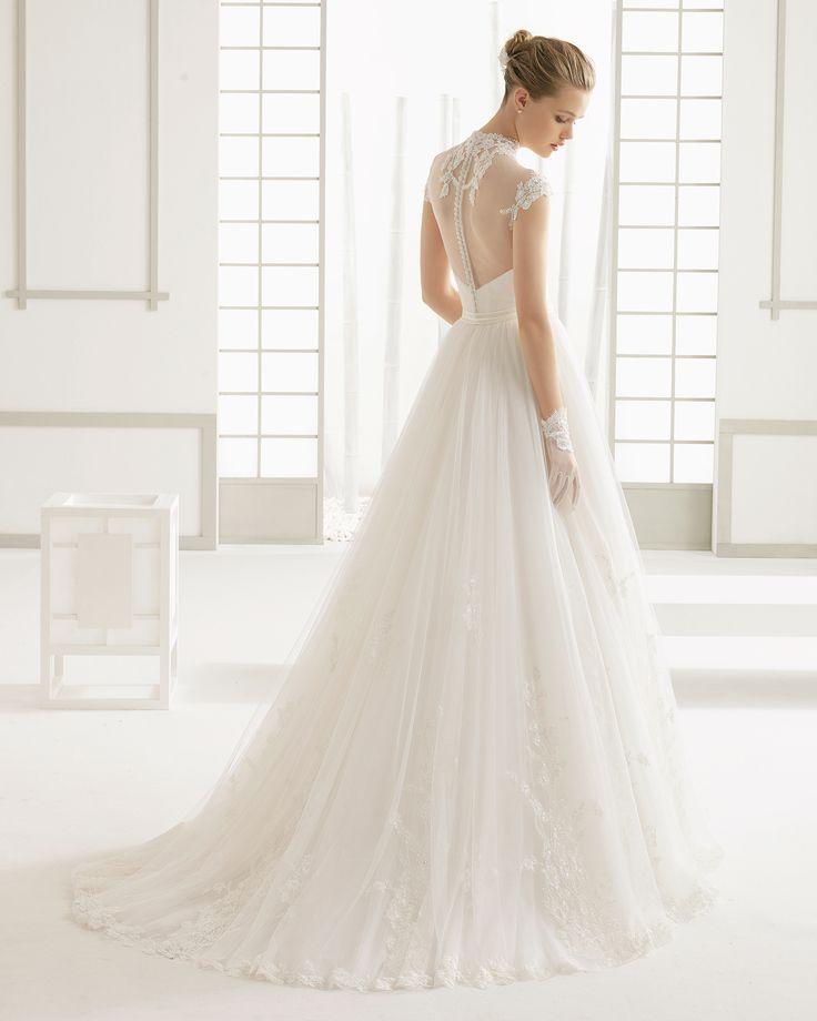 DANNA vestido de novia en tul con aplicaciones de encaje pedrería.