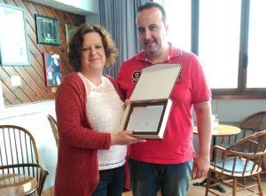 'El Tapeo' recibe su placa como ganador de la Ruta de la Tapa