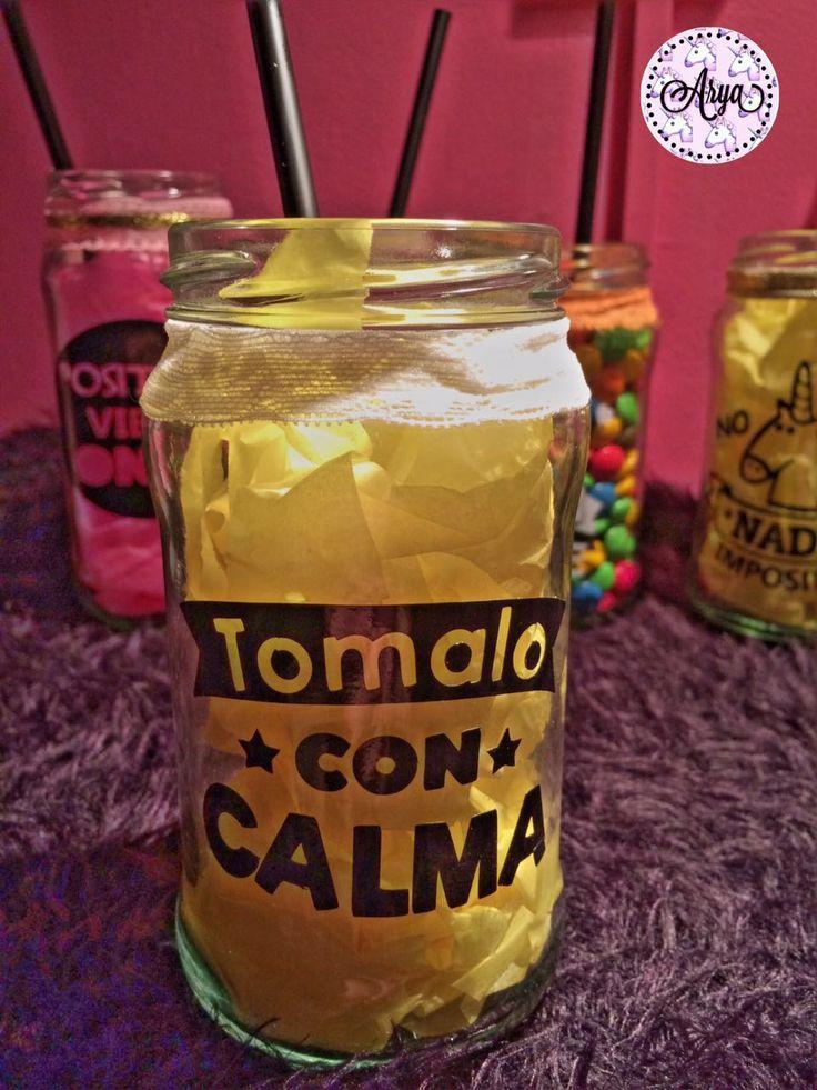 """Frasco personalizado con vinilo """"TOMALO CON CALMA"""". Super lindo para servir tragos con amigos, para regarlar, para darle vida a tu vijilla y sorprender a todos. Y lo mejor de todo SUPER BARATOS!!! Contactanos:  https://www.facebook.com/aryavinilos https://www.instagram.com/aryavinilos/ arya.vinilos@gmail.com"""