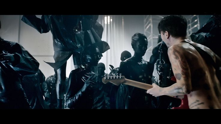 Adding to songlist: Biffy Clyro - Black Chandelier (Official Video) - all that reminds me.