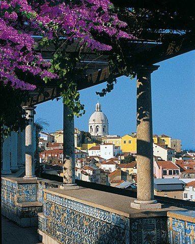 Mirador de Santa Luzia. Lisboa / Portugal