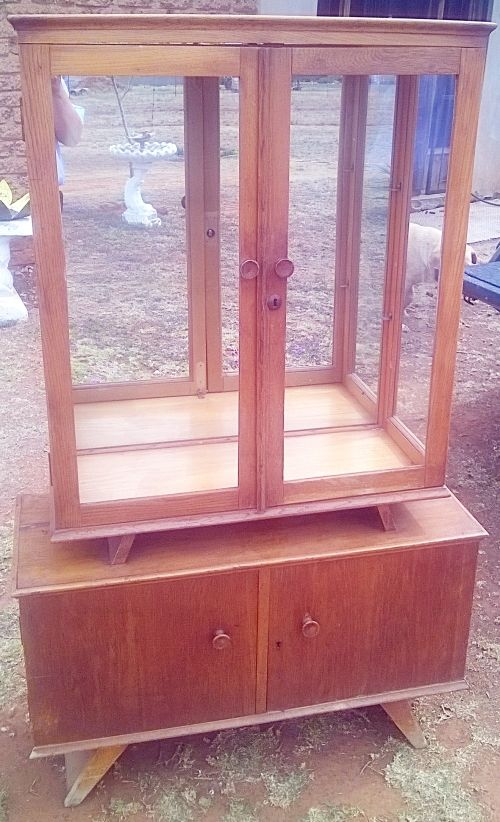 Buy Vintage Display Cabinet in Solid Oak with Mirrored back. L 90cm x H 1.49m x W 35cm for R1,000.00