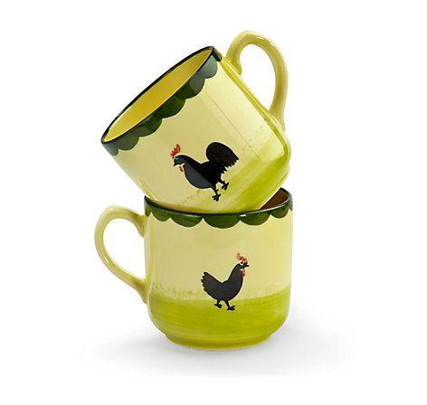 """Handbemalte Frühstücksbecher """"Hahn und Henne"""", hergestellt von der Zeller Keramik Manufaktur im Schwarzwald – jetzt bei Servus am Marktplatz kaufen."""