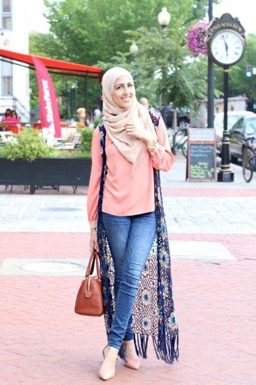 long lace vest hijab look, Modest street hijab fashion http://www.justtrendygirls.com/modest-street-hijab-fashion/
