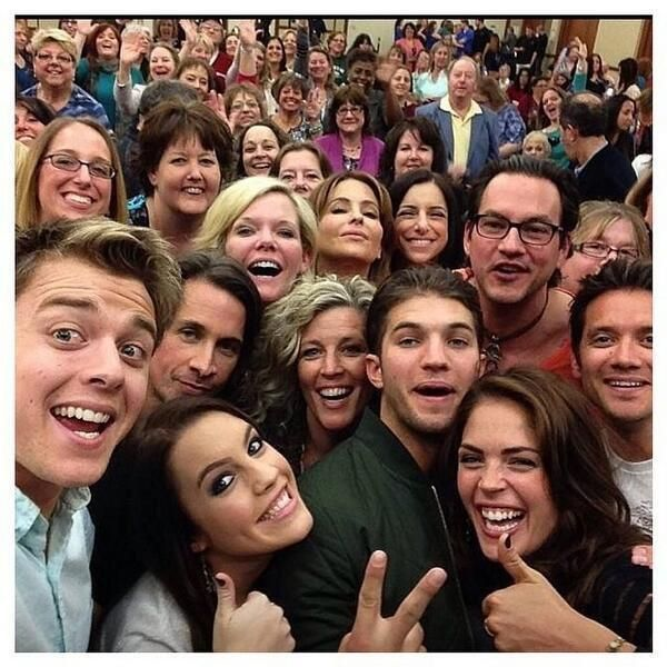 General Hospital cast selfie..