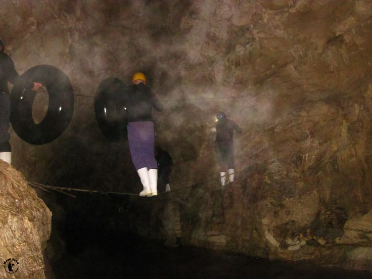 Drahtseilakt beim Kiwi Cave Adventure