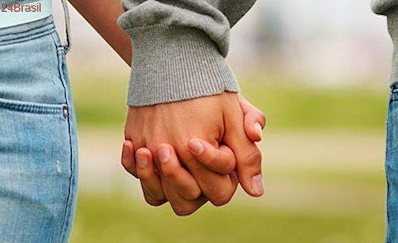 No Recife, documento da Assembleia de Deus proíbe jovens de namorar