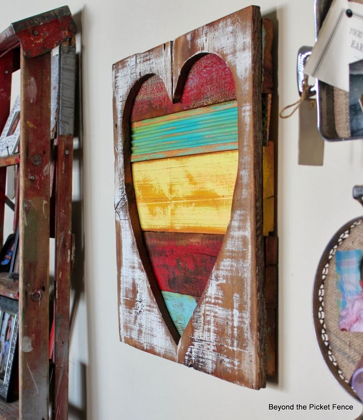 Reclaimed Wood Heart Art http://bec4-beyondthepicketfence.blogspot.com/2014/02/reclaimed-wood-heart-art.html