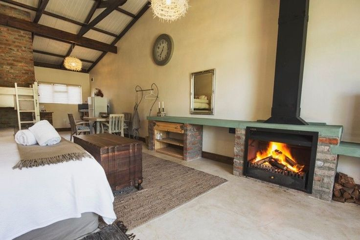 A Hilltop Country Retreat in Swellendam - 4 star self-catering accommodation offers standard rooms from R380pppn, sharing. -min 2 nights / valid June to Sep 2017 / must mention special offer when booking is made / direct bookings only / exclude long weekendsContact us info@ahilltop.co.za for more information / www.ahilltop.co.za All our rooms are unique with finishes