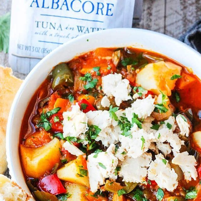 AD My newest recipe for Spanish Style Tuna Stew with Potatoes, Peppers and Tomatoes using @blueharborfishco Albacore Tuna with touch of sea salt is a perfect example of clean eating type of meal. There are no processed ingredients in this recipe, only wholesome vegetables and sustainably caught, premium quality Albacore Tuna. #BlueHarborFishCo; Head over to innocentdelight.com to get full recipe. #sodelicious #sotasty #lent #tunarecipe #spanishcuisine #cookingram #instayum #foodgawker…