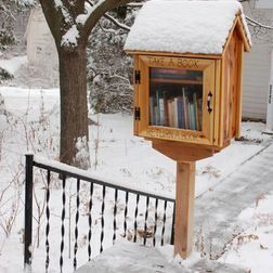 DIY your own BOOK EXCHANGE for your front yard. What an cool idea.