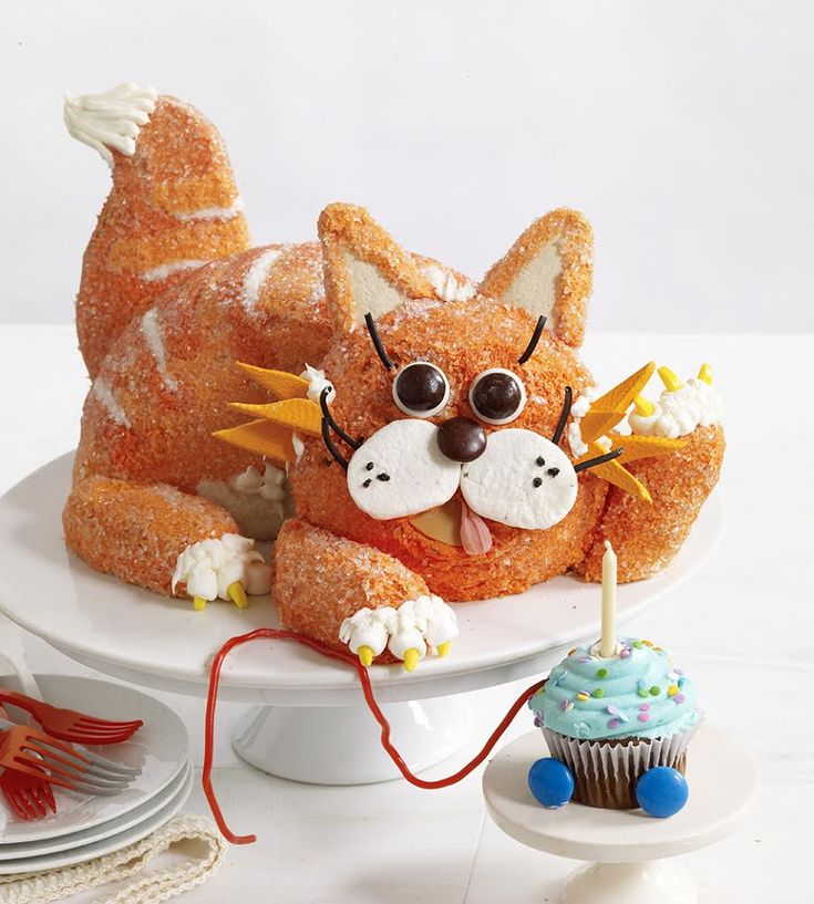"""THE """"TABBY CAT CAKE"""" THAT DIDN'T MAKE THE COVER!!!!!"""