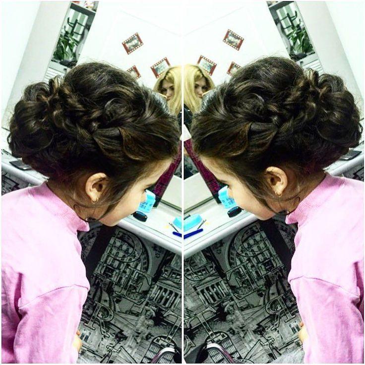 Прическа для первого выпускного бала маленькой принцессы в садик#hair#hairstyle#braid#творим#красоту#makeup#beauty#маленькаяпринцесса#beauty by protsenko_vika