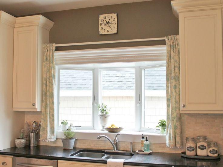 Best 25 modern kitchen curtains ideas only on pinterest for Modern kitchen valance ideas