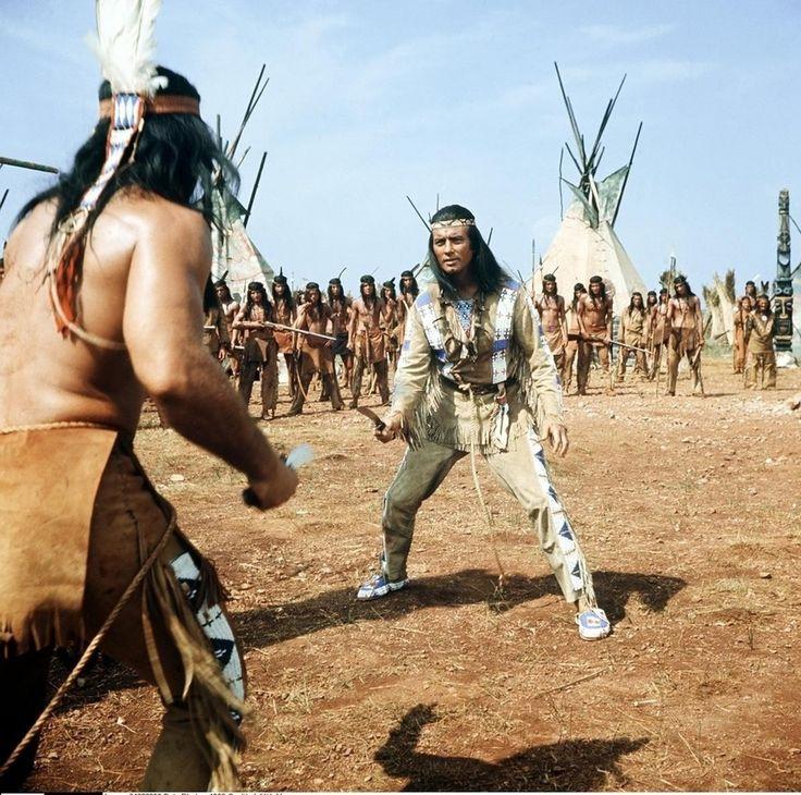 """Pierres Paraderolle: Insgesamt elf Spielfilme, hier """"Winnetou I"""" von 1963, drehte der französische Schauspieler Pierre Brice in der Rolle des Häuptlings der Mescalero-Apachen ab - und wurde damit zum Popidol der frühen Bundesrepublik."""