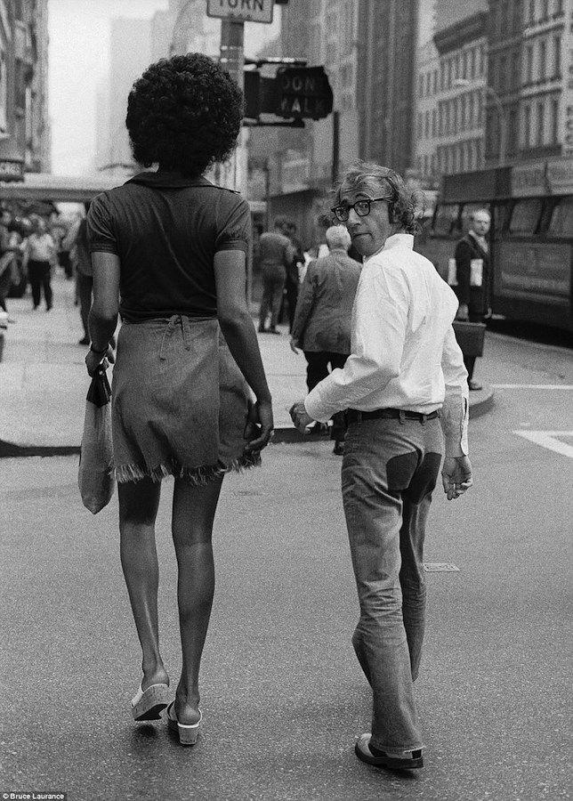 Вуди Аллен и Тамара (Клеопатра Джонс) Добсон, Нью-Йорк, 1971   (644×900)