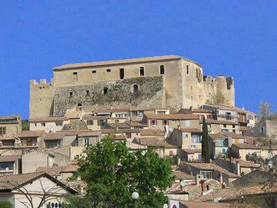 Château des Templiers à Gréoux les Bains. Concerts en été.   Greoux Les Bains - Alpes de Haute Provence