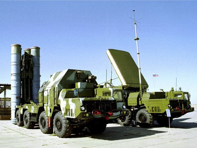 Iran's Defense Minister said Russia has agreed to deliver a S-300 missile system by the end of year, despite concerns by the Pentagon.
