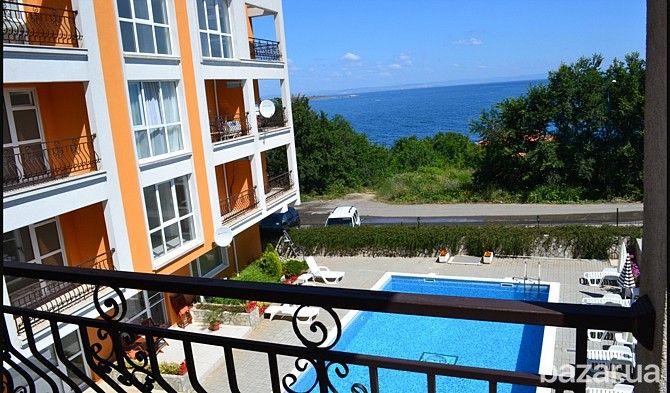 Продажа квартир в шикарный комплекс в Созополе. Здание рассположено на берегу моря. Двух и трехкомнатные квартиры. На продажи остались 4...