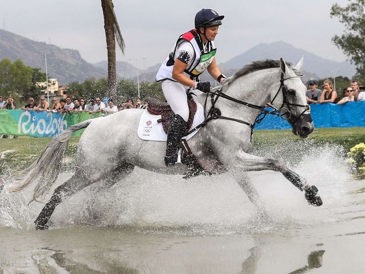 Equestrian-Germany:    Gemma Tattersall of Great Britain competes during equestrian cross country eventing in the Rio 2016 Summer Olympic Games at Olympic Equestrian Centre.