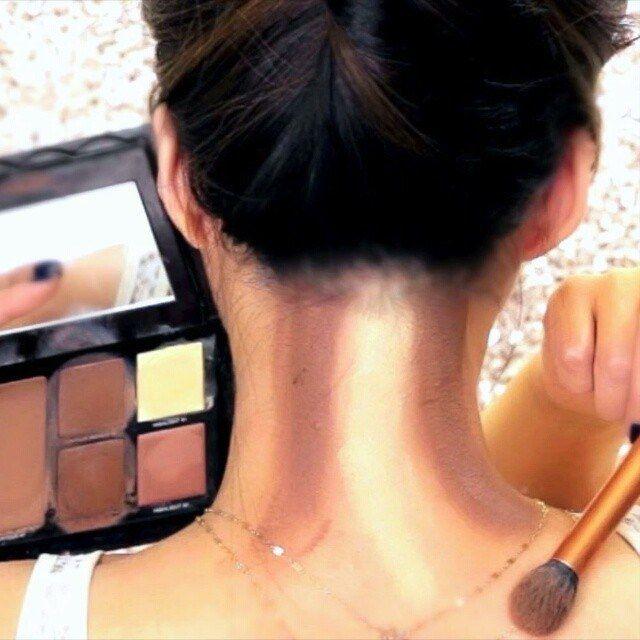 Neck Contouring, the next level of contouring | Life Thoughts Camera  #LifeThoughtsCamera #BangaloreBlog #BengaluruBlog #IndianBlog #Bengaluru #Bangalore #NewDelhi #Mumbai #Kolkata  #INDIA #LifeStyle #LifeStyleBlog  #BangaloreLifeStyleBlog #BengaluruLifeStyleBlog #IndianLifeStyleBlog #Beauty #BeautyBlog #BangaloreBeautyBlog #BengaluruBeautyBlog #IndianBeautyBlog #HowTo #contour #NeckContour #contouring #Fashion #NeckContouring