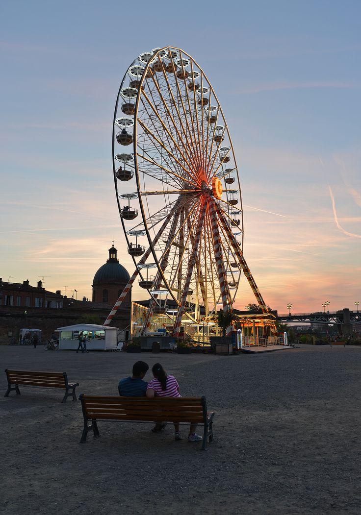 Coucher de soleil sur grande roue © K. Lhémon #toulouse #visiteztoulouse