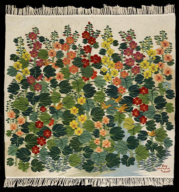 Hollyhocks, Taheya Ibrahim, Cairo, Egypt, 2011, woven wool. l Victoria and Albert Museum