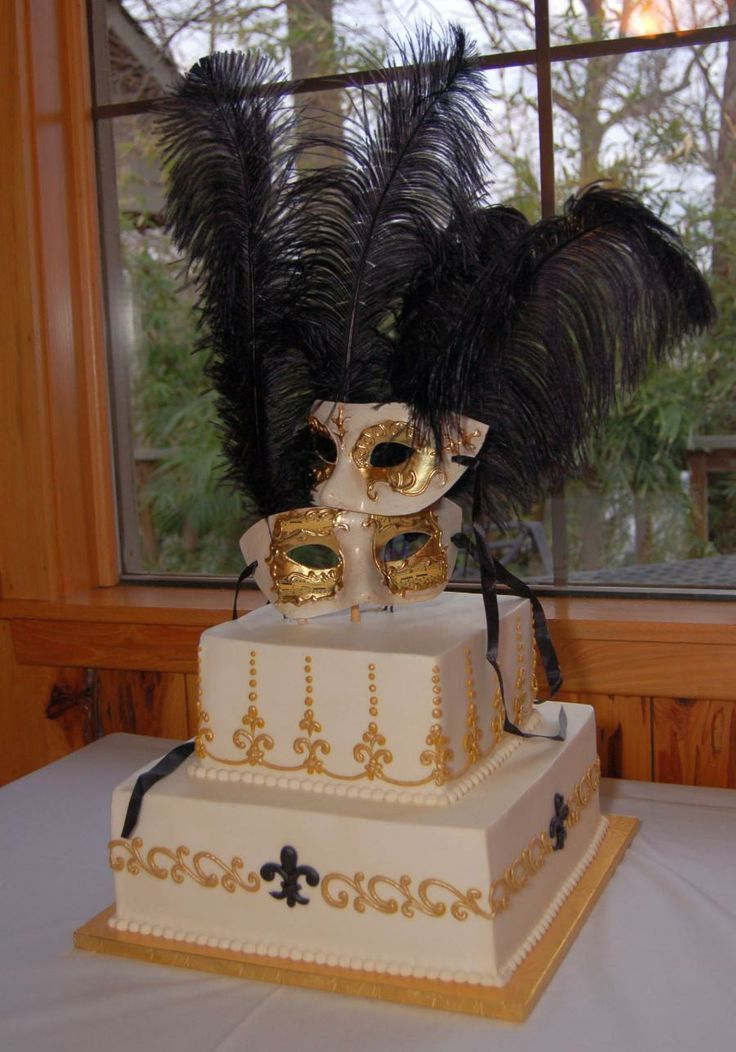 Carnival cake. If only I could get married at Mardi Gras