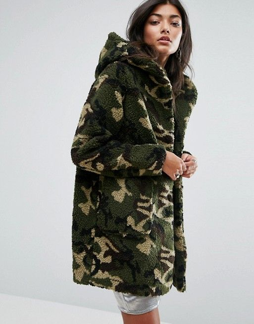 pull bear faux fur camo hooded jacket winter style. Black Bedroom Furniture Sets. Home Design Ideas
