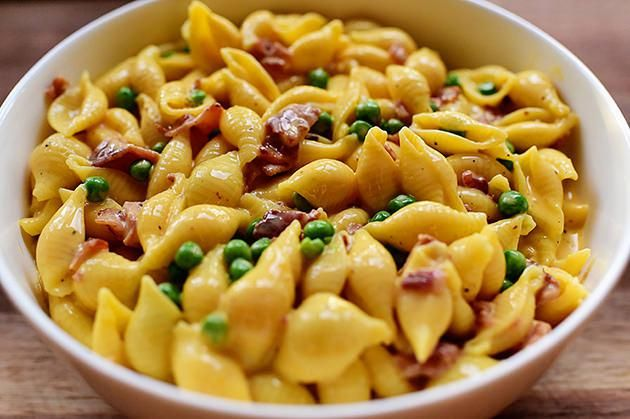Shells & Cheese with Bacon & Peas - Pioneer Woman