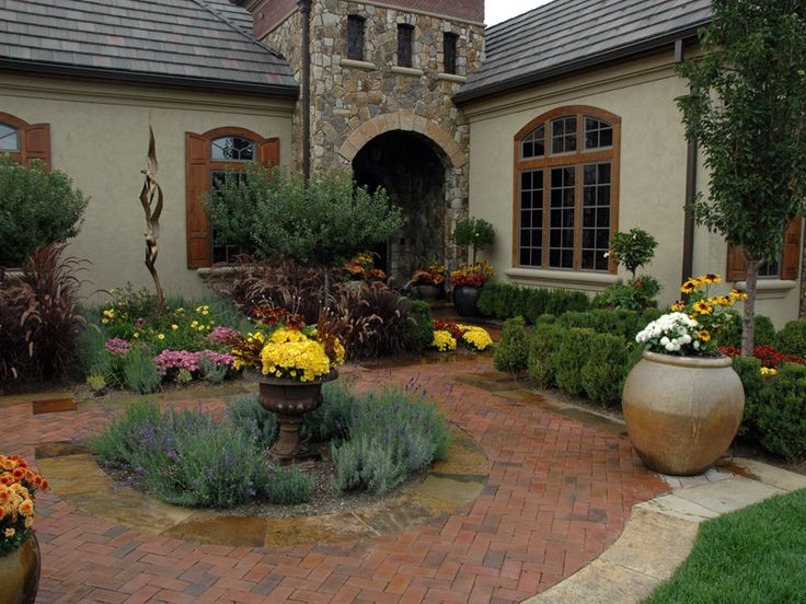 1000 images about townhouse landscape design on pinterest for Townhouse landscape design