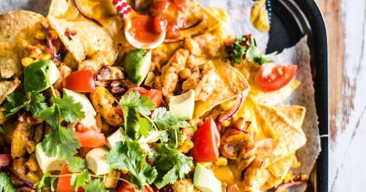 Superhelppo nachopelti on ihanan rentoa syötävää. Tämä nacholpelti saa ruokaisuutta broilerista ja makua salsasta sekä juustokastikkeesta. NAM!