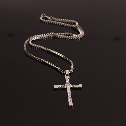 The Fast and The Furious Dominic Toretto Vin Diesel Classic Male Rhinestone CROSS Pendant Necklace
