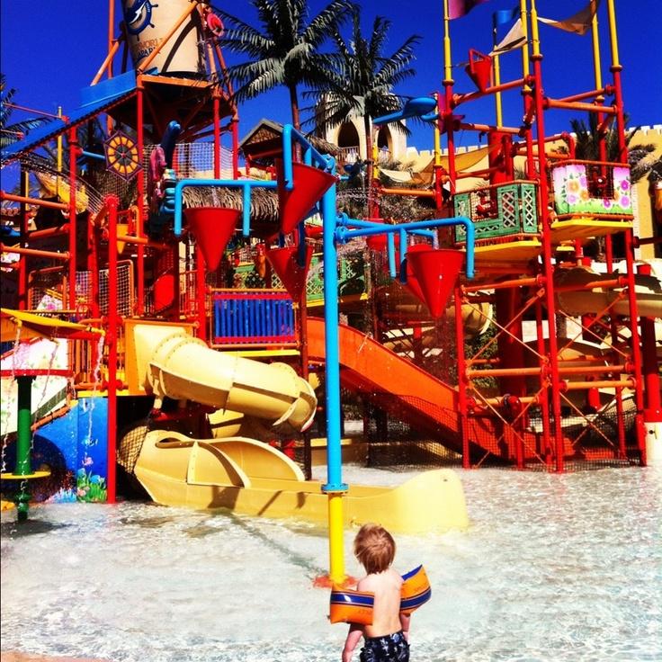 Lofsan bloggar från Sunwing Waterworld i Egypten http://blogg.alltforforaldrar.se/lofsan/2012/12/18/blommar/