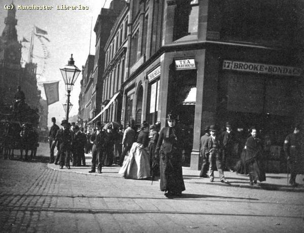 Market Street, Manchester corner with Oldham Street, 1900.